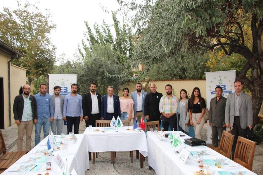 Başkan Saka genç siyasetçilerle