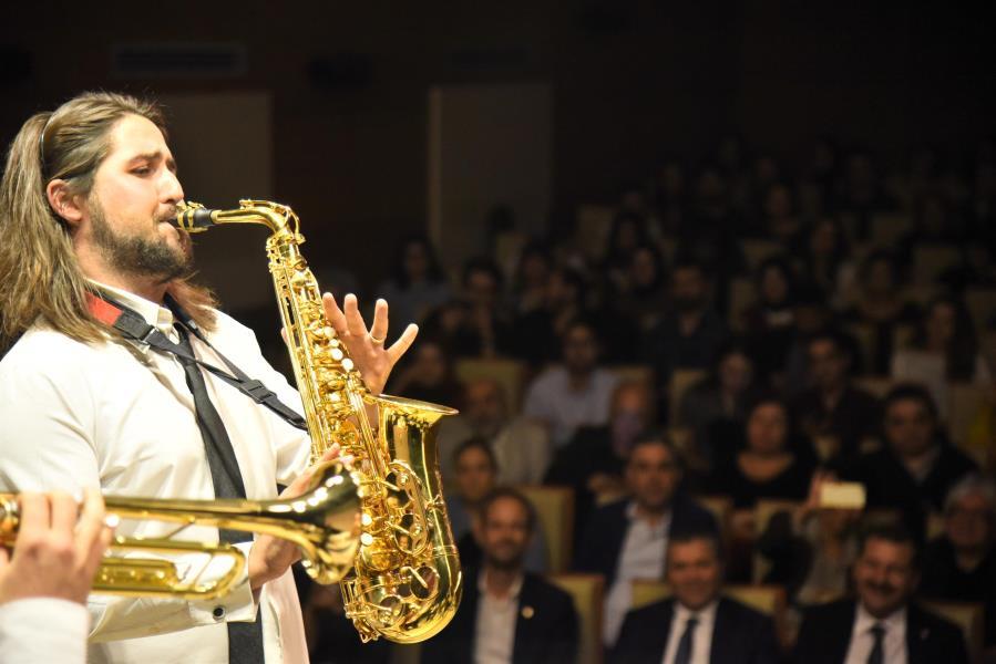Karesi'de jazz vakti