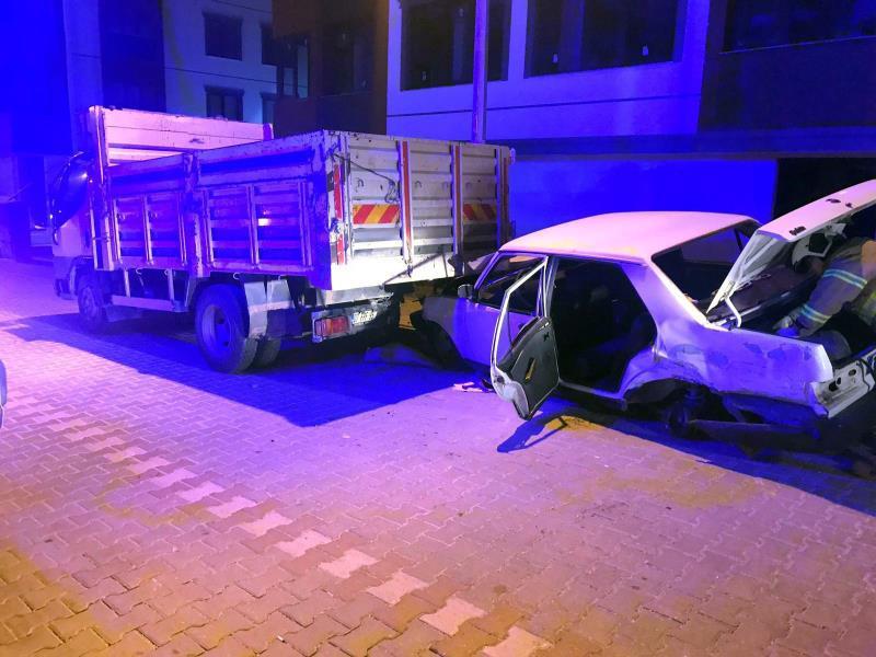 Bandırma'da trafik kazası: 1 ölü, 1 yaralı