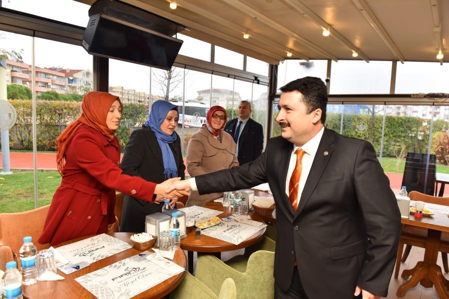 Avcı'dan engelli personele kahvaltı jesti