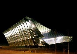 Dünyanın en tuhaf stadyumları