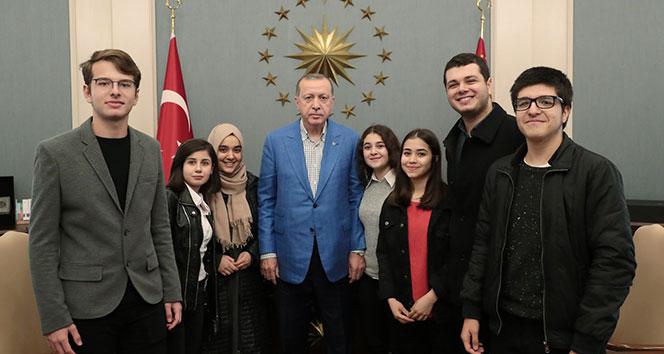 Cumhurbaşkanı Erdoğan, gençleri kabul etti
