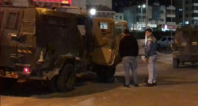 İsrail askerlerinden Filistin Maliye Bakanlığına baskın