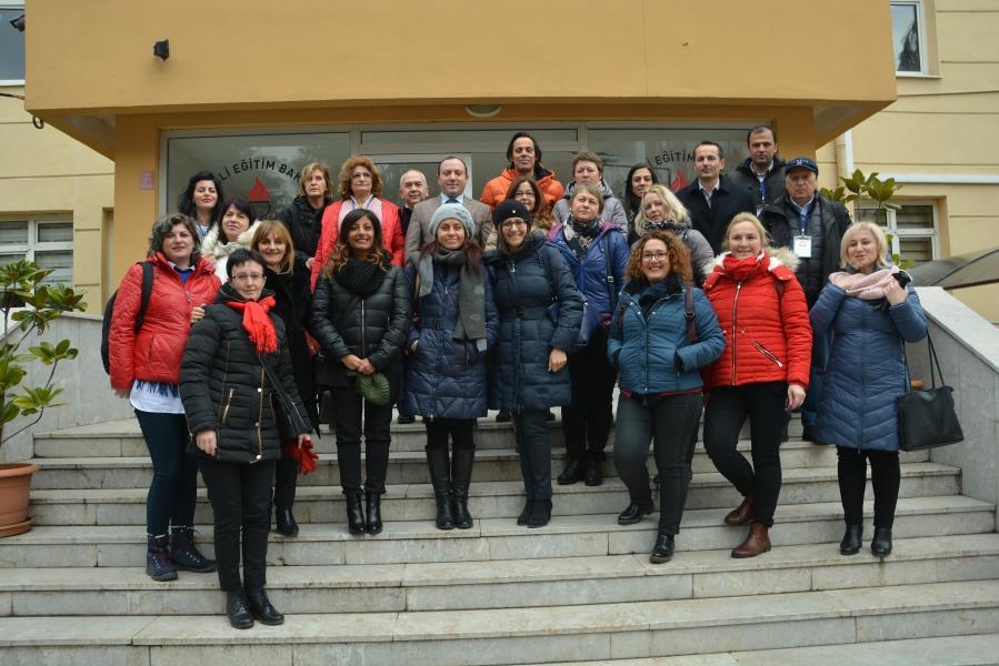Müdür Yıldız'ı Avrupalı öğretmenler ziyaret etti