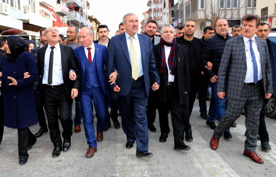 MHP ADAYI TUNCAY KILIÇ START VERDİ