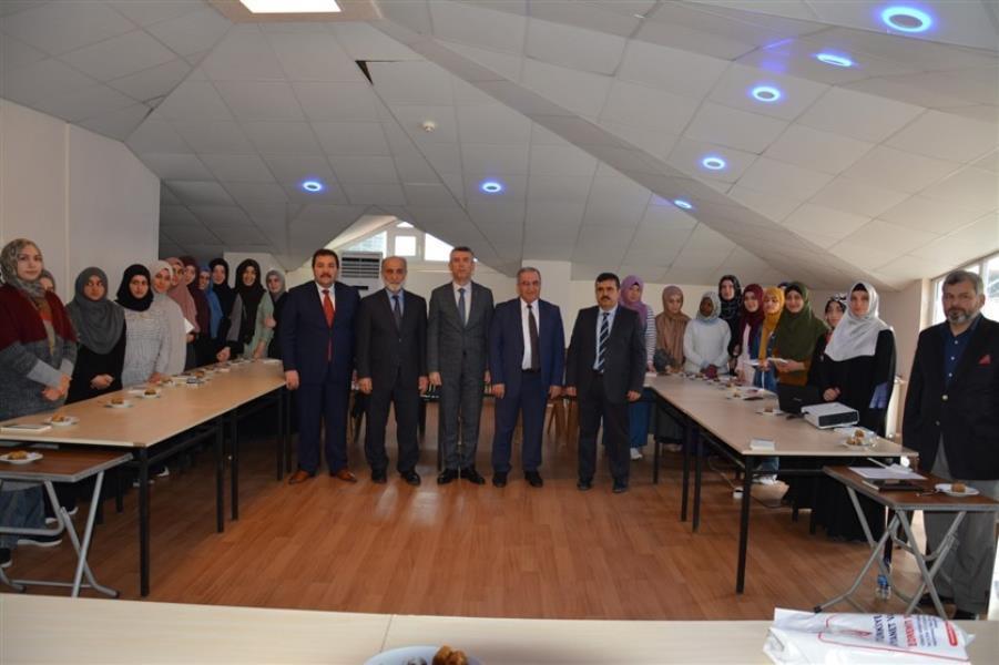 14 ülkeden gelen 23 öğrenci Edremit'te