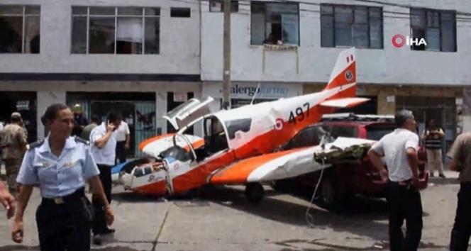 Uçak şehir merkezine indi