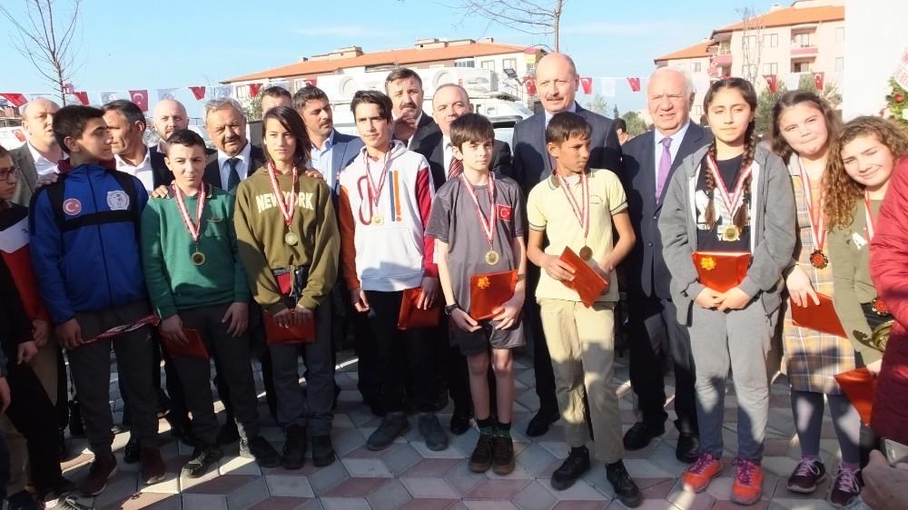 Burhaniye'de Tulumbacılar Parkı'na coşkulu açılış