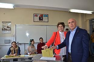 Millet İttifakı Balıkesir Büyükşehir Başkan adayı Ok oyunu kullandı