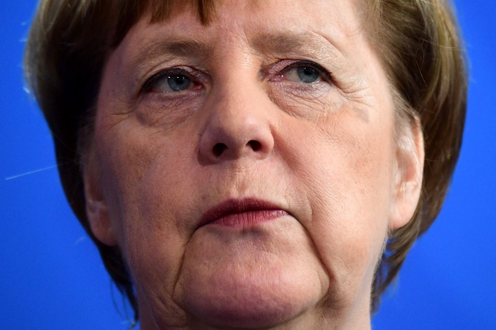 Almanya Başbakanı Merkel 'Camilere yapılan saldırılar demokrasi ve hoşgörüye yapılmıştır'