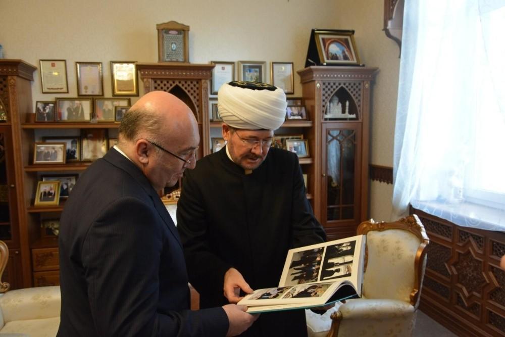 Mehmet Samsar Rusya'daki Müslümanların lideriyle görüştü