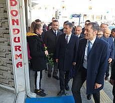 Milli Eğitim Bakanı Selçuk'tan Gölbaşı'nda esnaf ziyareti