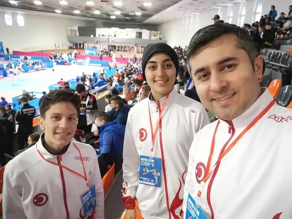 Ayvalıklı Taekwondocular Bulgaristan da madalya peşinde