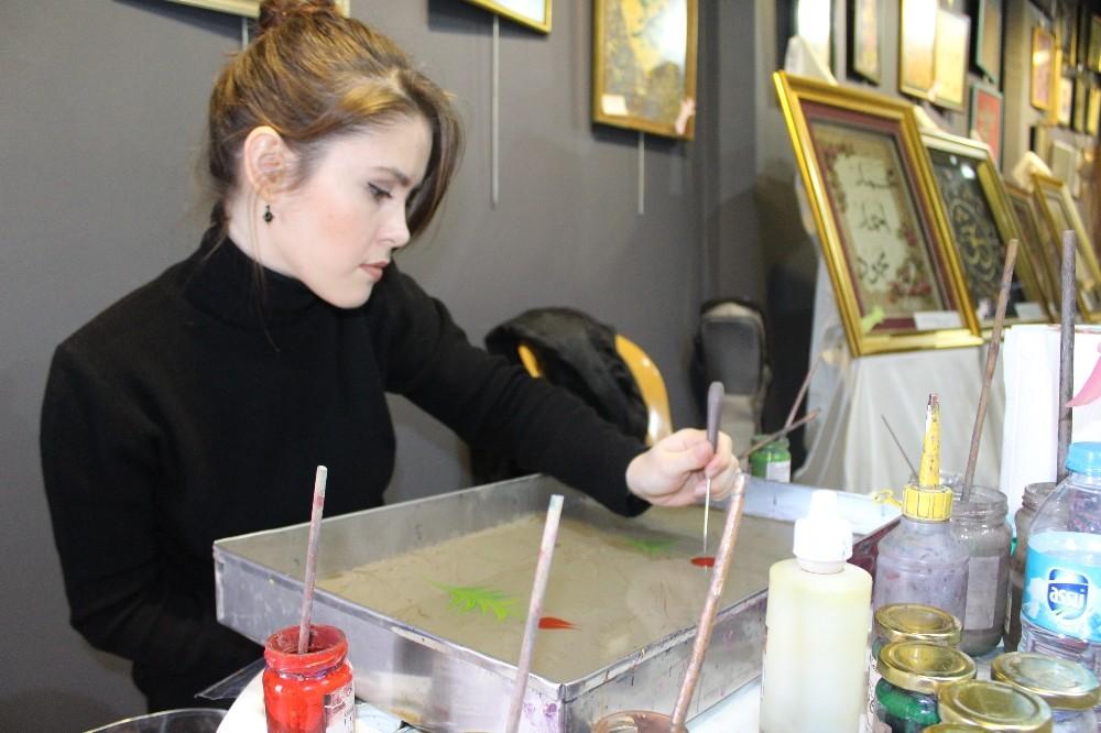 Bandırma'da 'Ebru Sergisi' İlgi Gördü