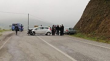 Sındırgı'da yağmurla gelen kaza 5 yaralı