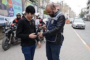 Polisten göçmen kaçakçılığı uygulaması