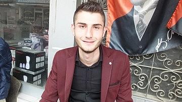 Burhaniye'de Fetullah Bozkurt ilçenin en genç muhtarı oldu