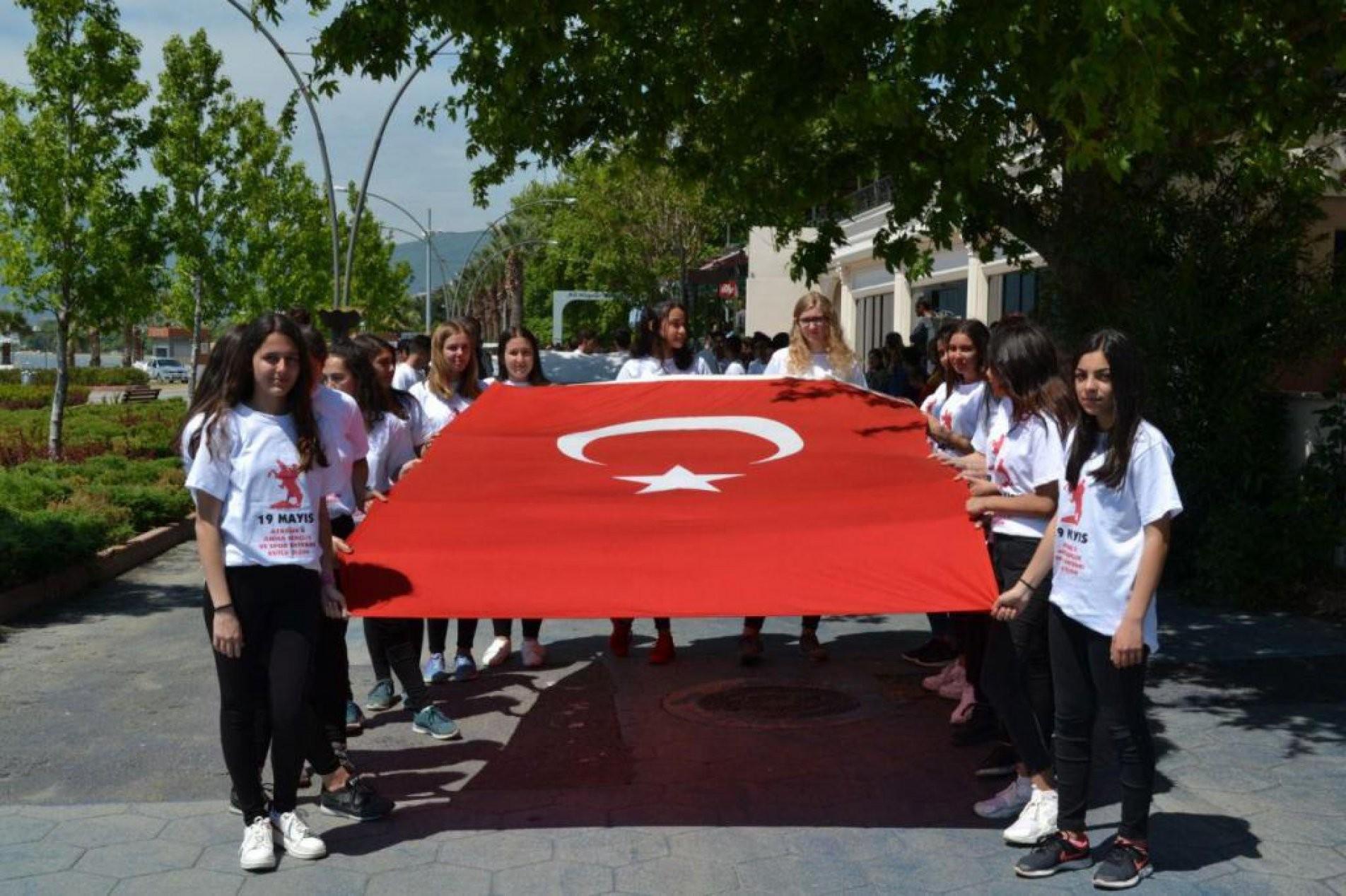 ERDEK'TE 19 MAYIS COŞKUSU BAŞLADI