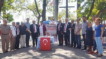 VATAN PARTİSİ'NİN KAMPANYASINDA BİN İMZA TOPLANDI