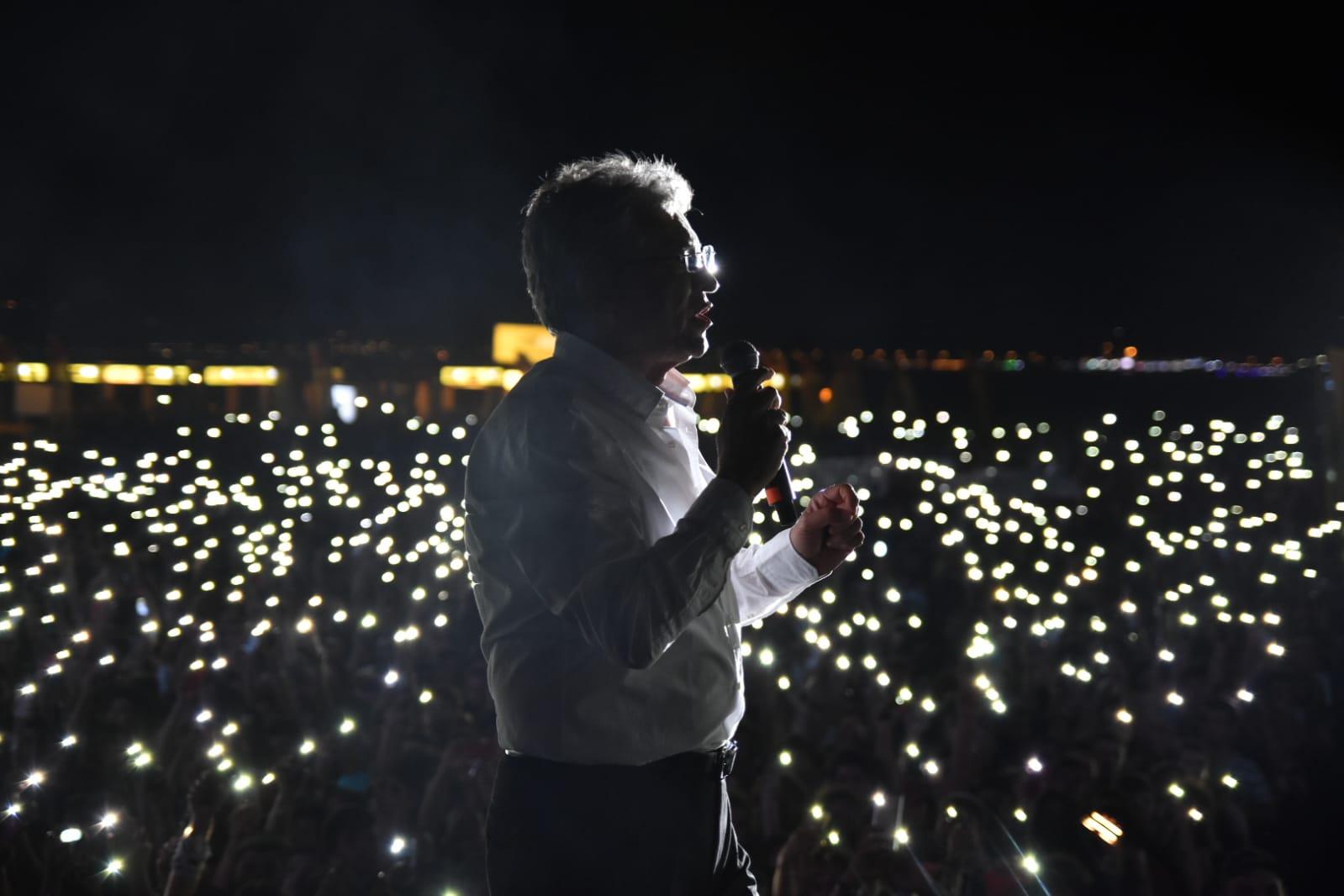 BAŞKAN ARSLAN ROCK FESTİVALİ'NDE GENÇLERE SESLENDİ