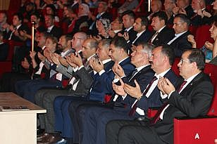 İSTANBUL'DA BALIKESİR RÜZGARI ESTİ