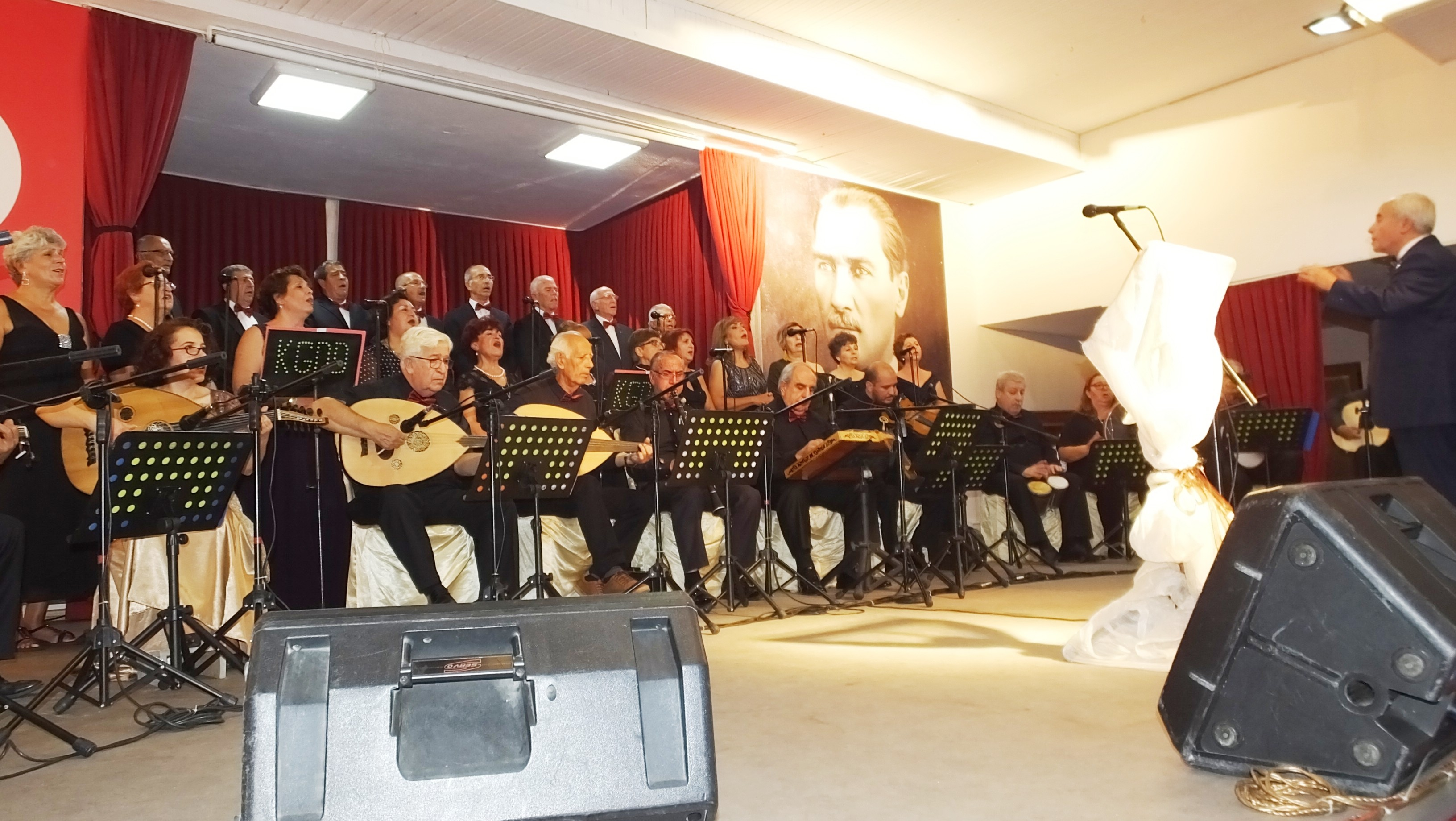 BURHANİYE'DE SONBAHAR KONSERİ