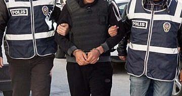 BALIKESİR POLİSİ ARANAN 17 KİŞİYİ YAKALADI