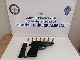 POLİS RUHSATSIZ SİLAH AVINDA
