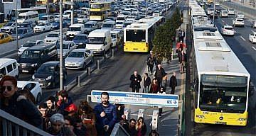 İSTANBUL'DA ULAŞIMA YÜZDE 35 ZAM YAPILDI