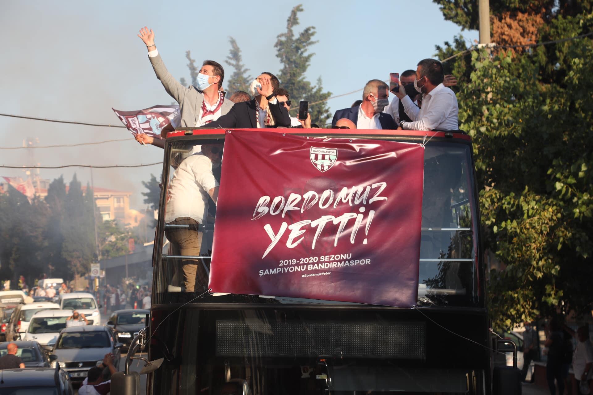 BANDIRMASPOR'DA ŞAMPİYONLUK COŞKUSU