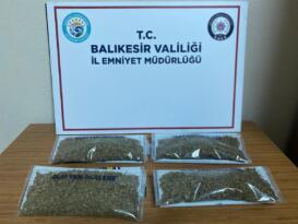 BALIKESİR POLİSİ 5 UYUŞTURUCU ŞÜPHELİSİNİ YAKALADI