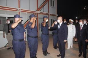 İçişleri Bakanı Süleyman Soylu Ayvalık'ta Sahil Güvenlik'i denetledi