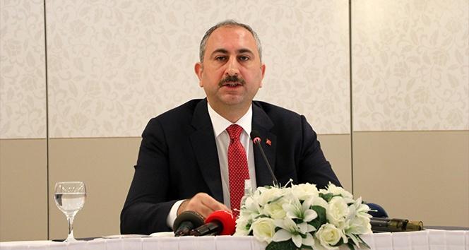 Adalet Bakanı Abdulhamit Gül, Türk gemisine yapılan hukuksuz aramaya tepki gösterdi