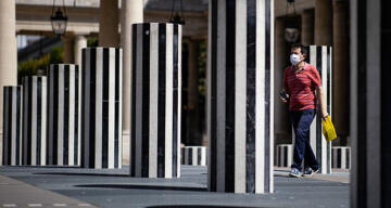 Fransa'da son 24 saatte 32 bin 95 yeni vaka