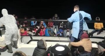 Ayvalık'ta 54 göçmen Sahil Güvenlik tarafından kurtarıldı