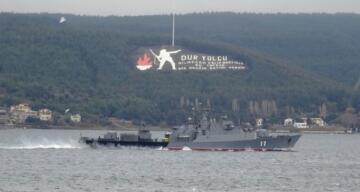 Bulgar savaş gemisi 'Smeli' Çanakkale Boğazı'ndan geçti