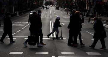 İspanya'da Covid-19'a bağlı can kaybı 50 bini aştı