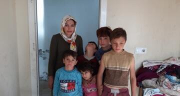 Mardin'de 8 nüfuslu aile, yokluk içinde yaşama tutunmaya çalışıyor
