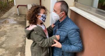 Türkiye'yi ağlatmıştı… Minik Ecem sağlıkçı babasına işte böyle kavuştu