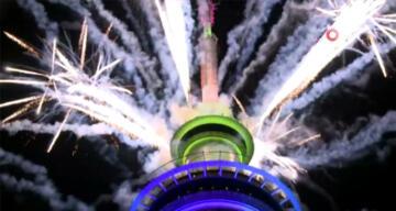 Yeni Zelanda 2021'e görkemli bir kutlamayla 'merhaba' dedi