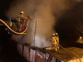 İvrindi'deki yangında bir ev kullanılamaz hale geldi