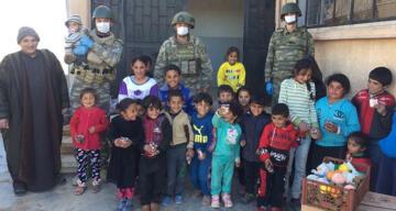 TSK'nın Barış Pınarı bölgesi halkına destekleri sürüyor