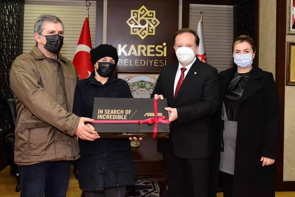KARESİ'DEN EN ÇOK PİL TOPLAYANLARA ÖDÜL