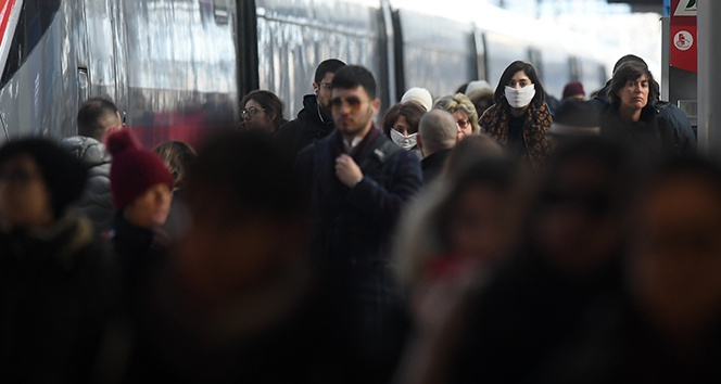 İtalya'da son 24 saatte 10 bin 386 yeni vaka