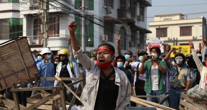 Myanmar'daki protestolarda 6 kişi öldü