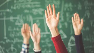 8 ve 12. sınıflar hariç tüm sınıflarda uzaktan eğitime devam