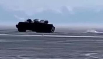 2 askeri kamyon Baykal Gölü'ne gömüldü