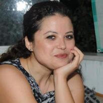 İngilizce öğretmeni Fatma Türker kalbine yenik düştü