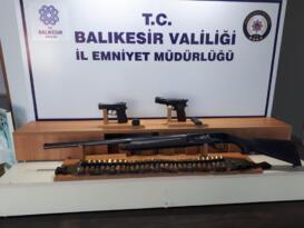 BALIKESİR'DE POLİSTEN 16 ŞAHSA GÖZALTI