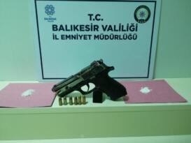 BALIKESİR'DE POLİSTEN 13 ŞAHSA GÖZALTI